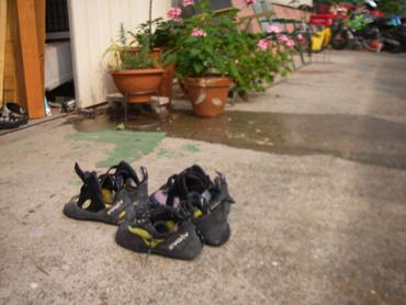 靴を干しているところ